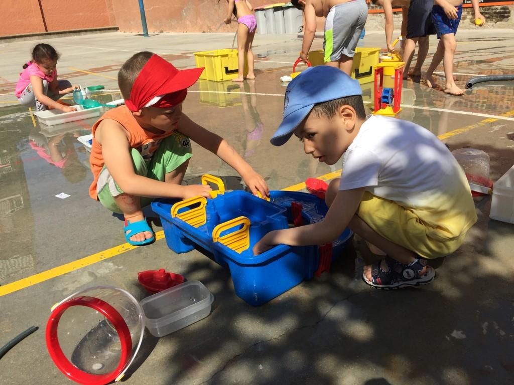 PETITS: jocs d'aigua
